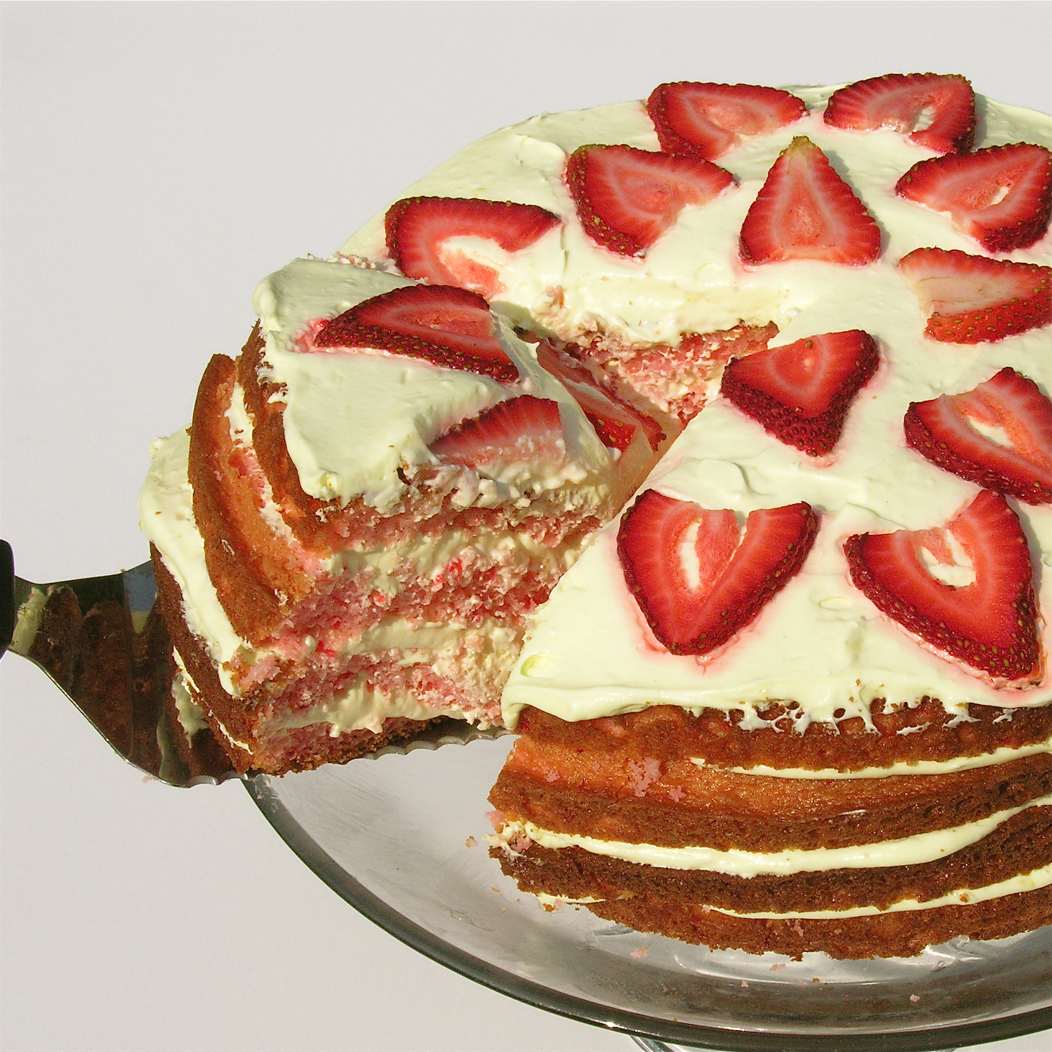 Images Of Strawberry Layer Cake : Strawberry Lemonade Layer Cake!! eASYbAKED