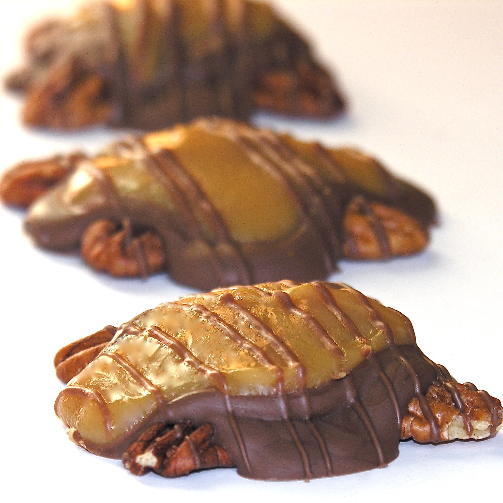 Homemade Caramel Turtles | eASYbAKED