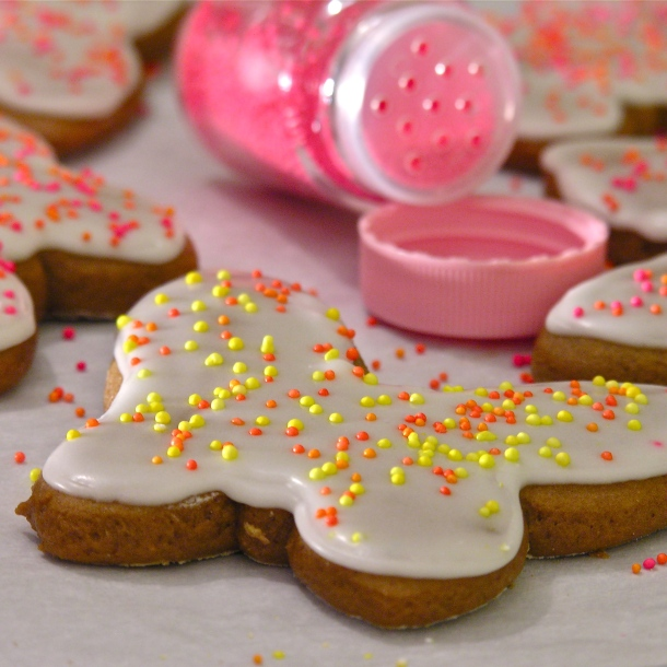 these gingerbread cookies are my favorite gingerbread cookies ever ...