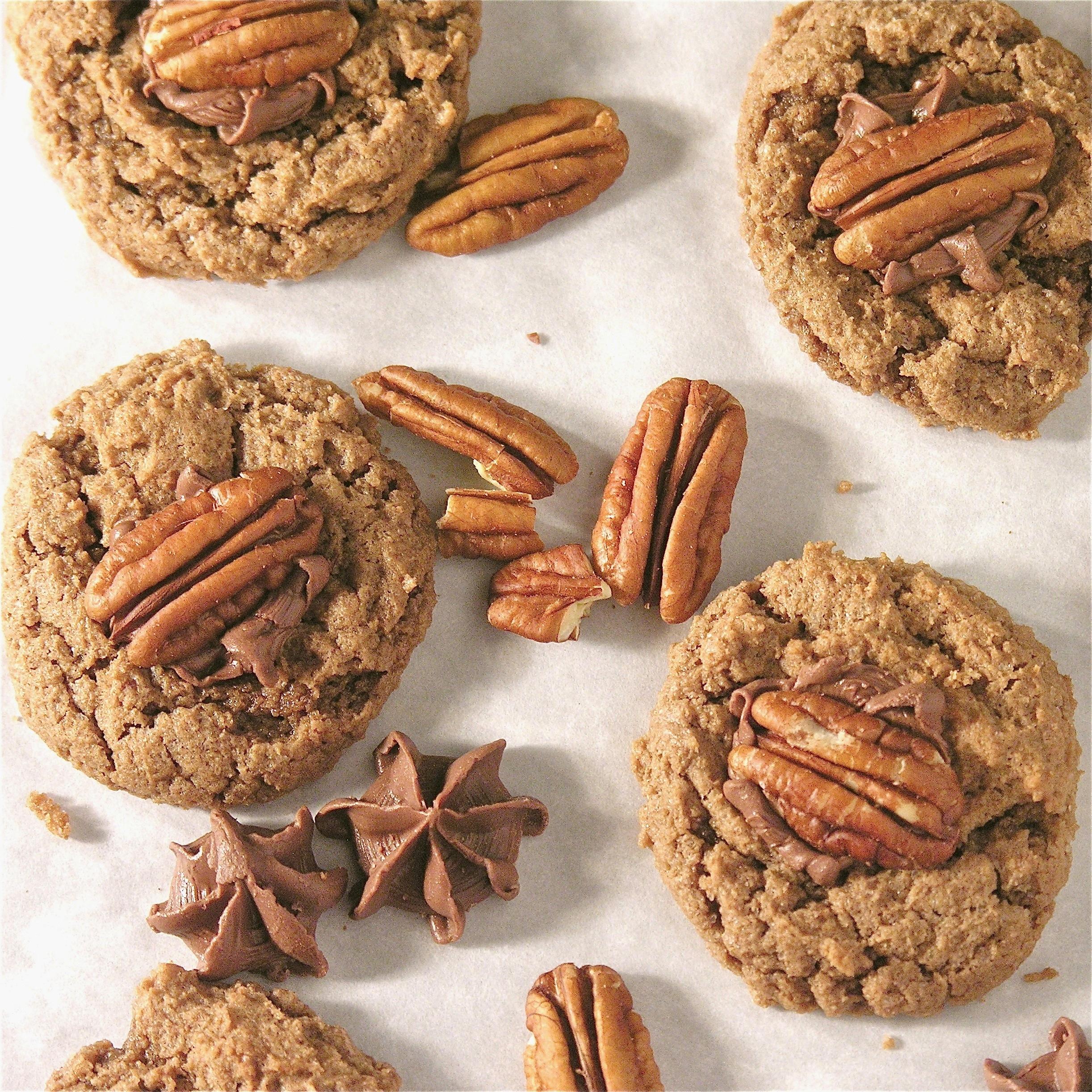 Caramel Pecan Cookies | eASYbAKED