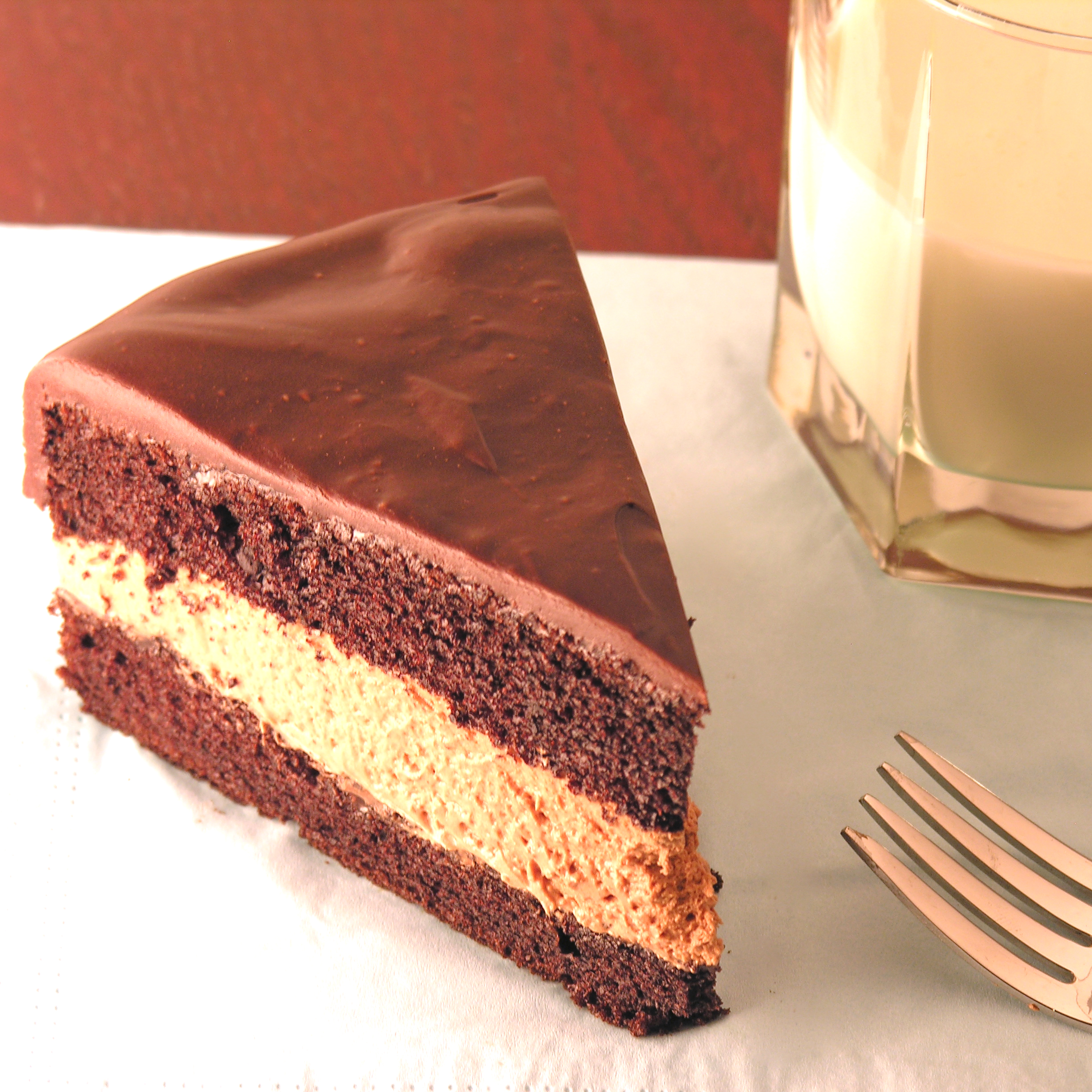 Cake With Chocolate Mousse : Chocolate Mousse Cake eASYbAKED