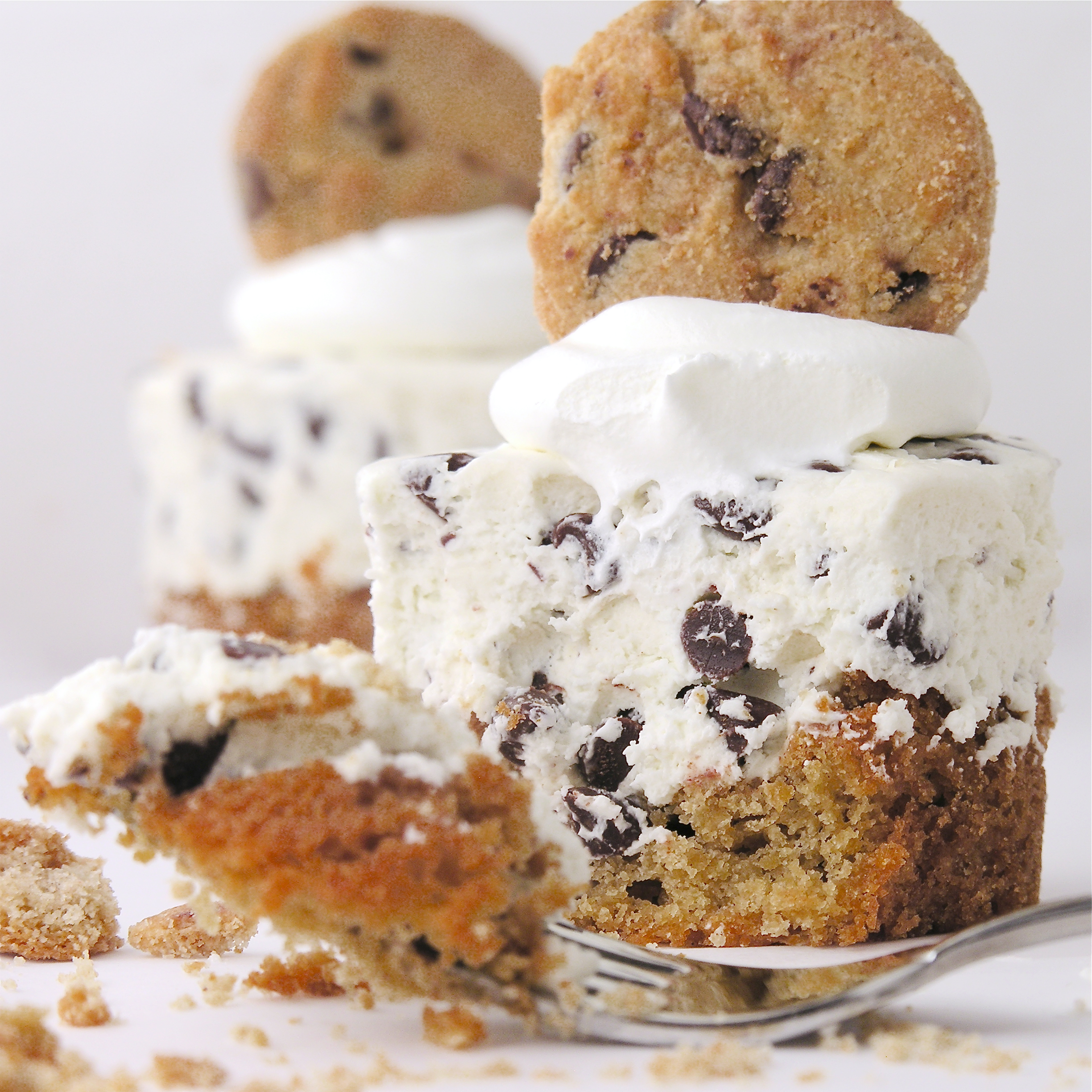 DECK THE HOLIDAY'S: CHOCOLATE CHIP COOKIE CHEESECAKE!