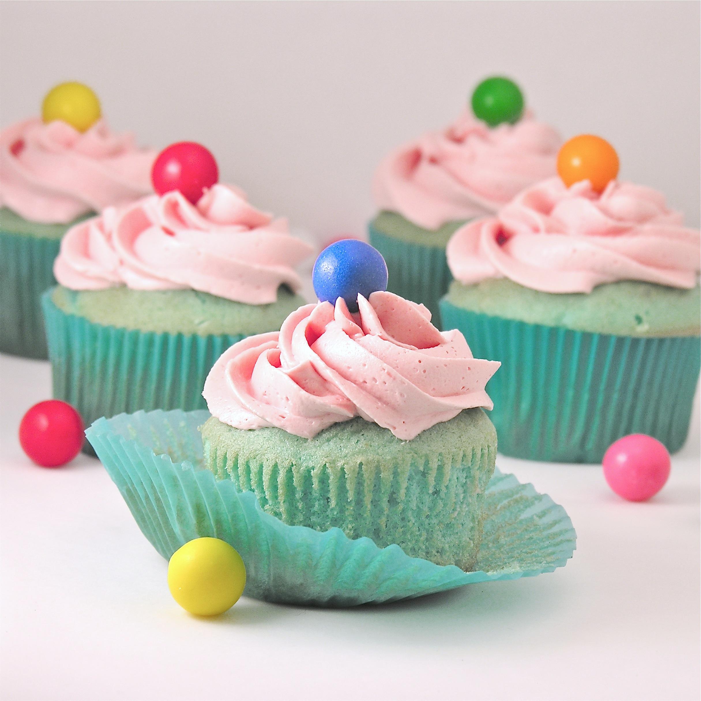 Bubblegum Cupcakes Cake