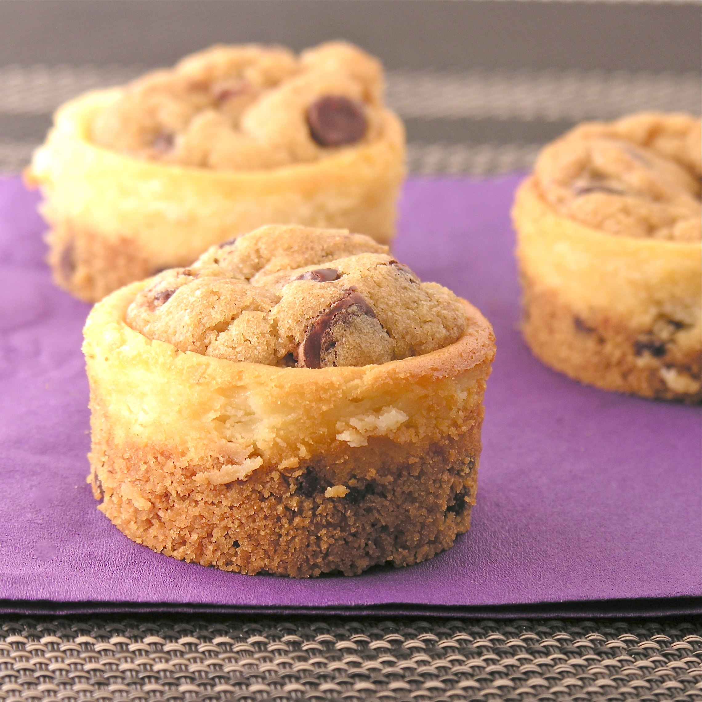 These yummy little cheesecakes have chocolate chips in the crust and ...