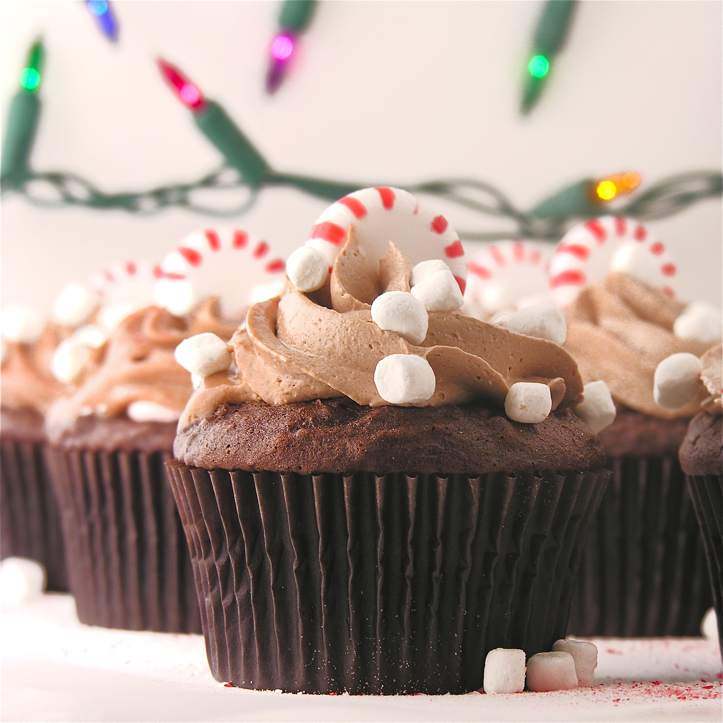 Peppermint Hot Chocolate Cupcakes | eASYbAKED