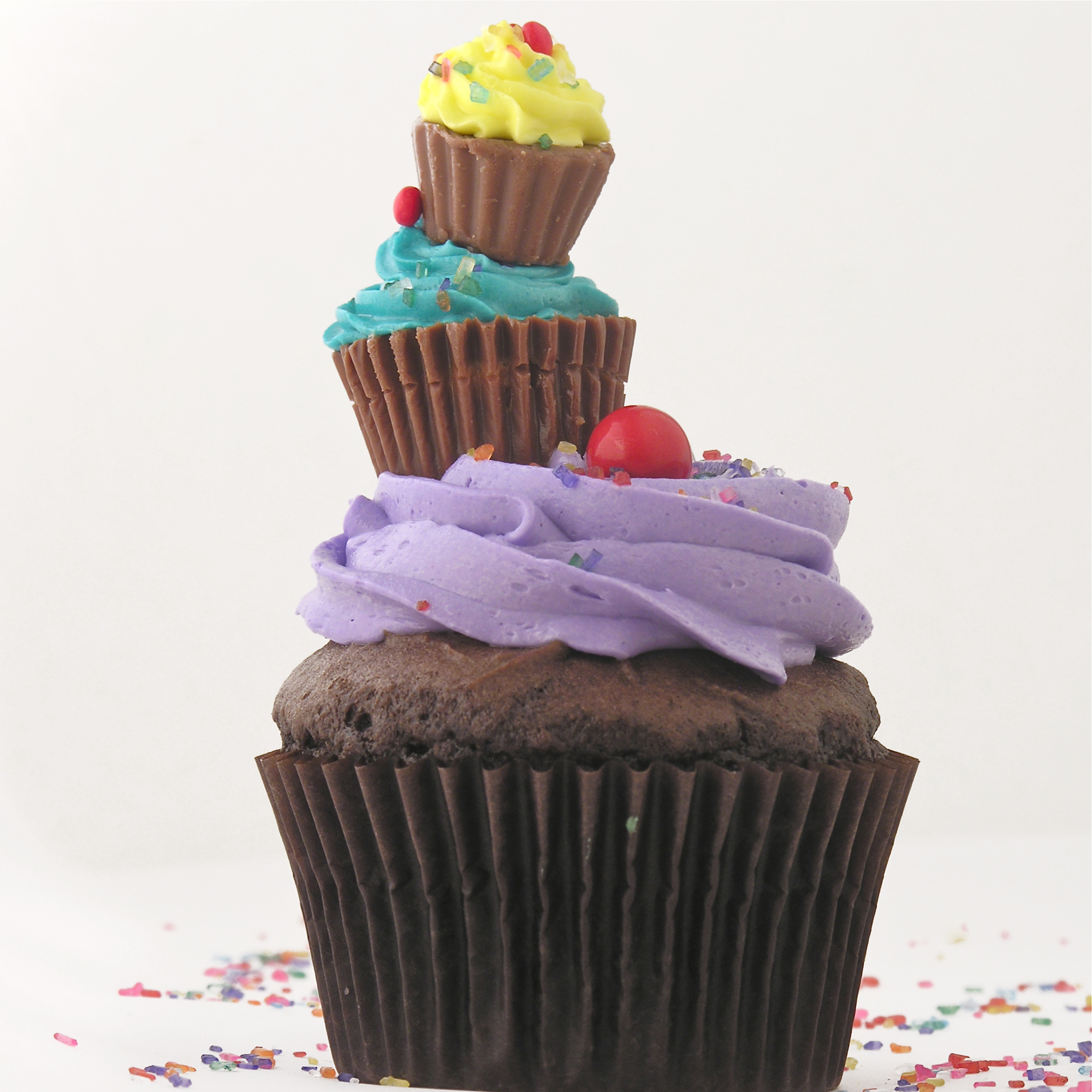 Big Cupcake Images : A big pile of cupcakes! eASYbAKED