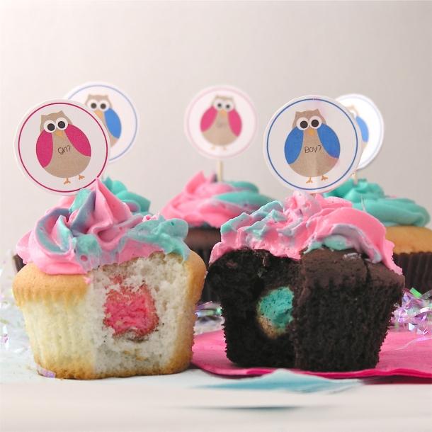 Gender reveal cupcakes!!!
