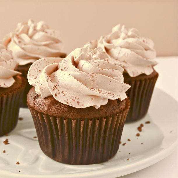 Mocha Caramel Cream Cupcakes!