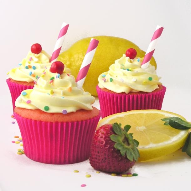 Strawberry Lemonade Cupcakes!!!!  eASYbAKED