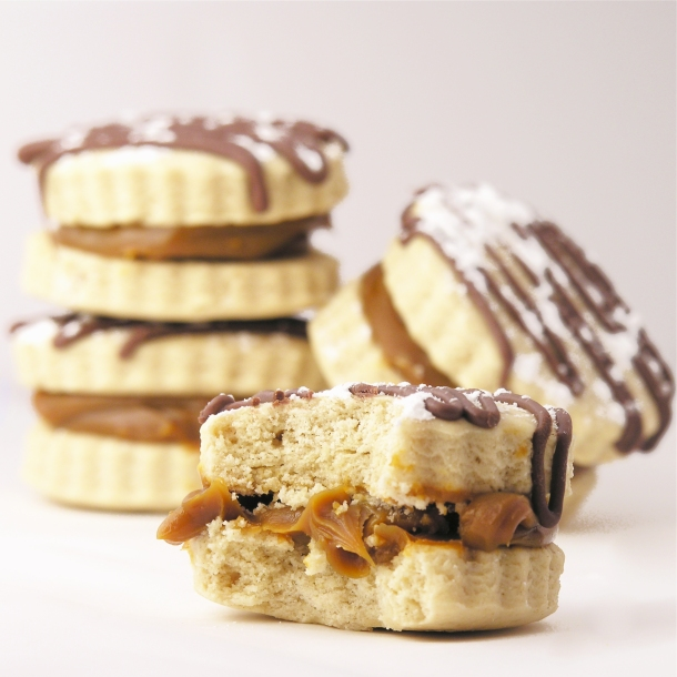 Alfajores (Peruvian caramel cookie)!