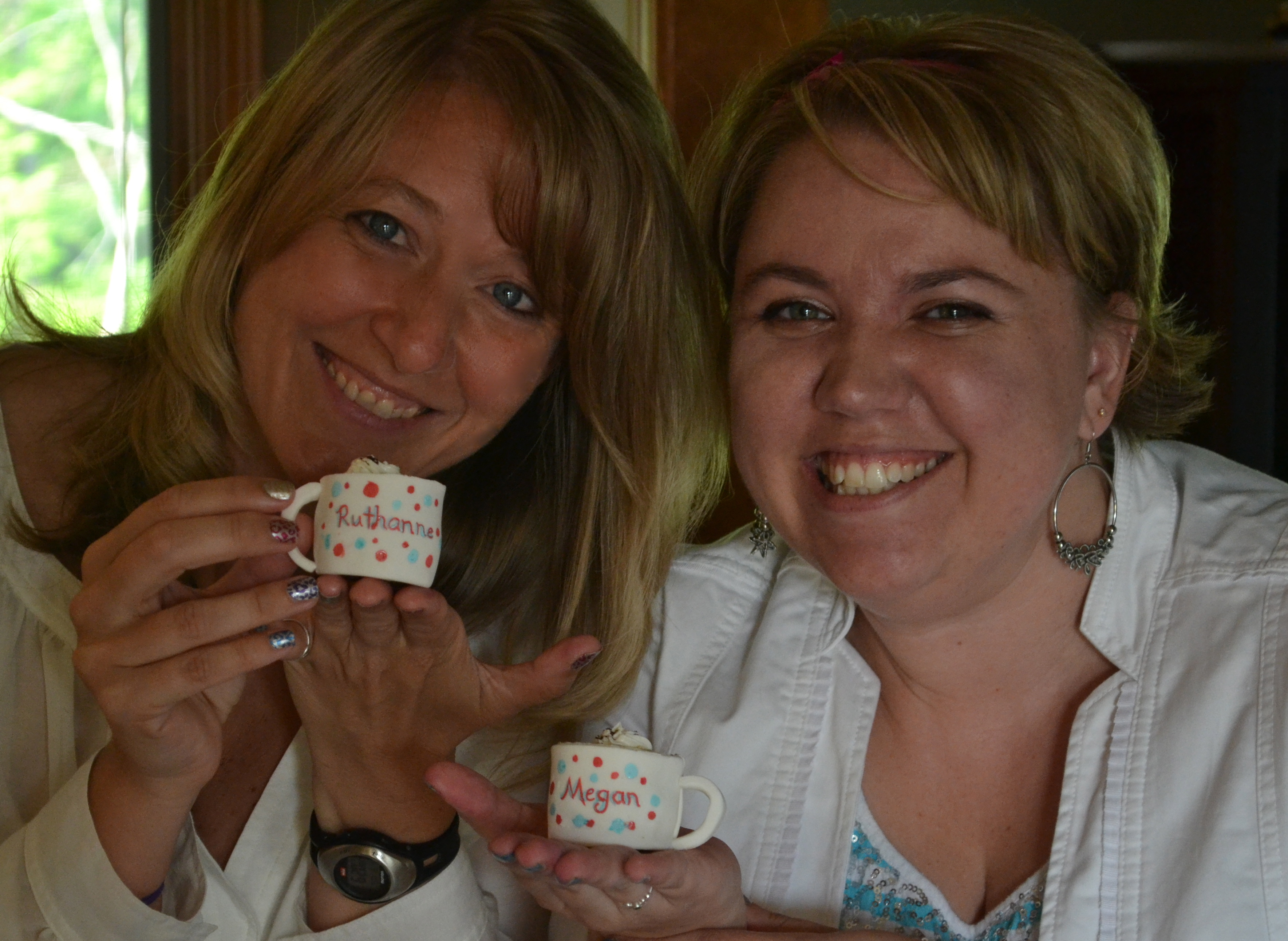 Holding our personalized mug cupcakes--technique coming soon to Easybaked!   Such a fun weekend!