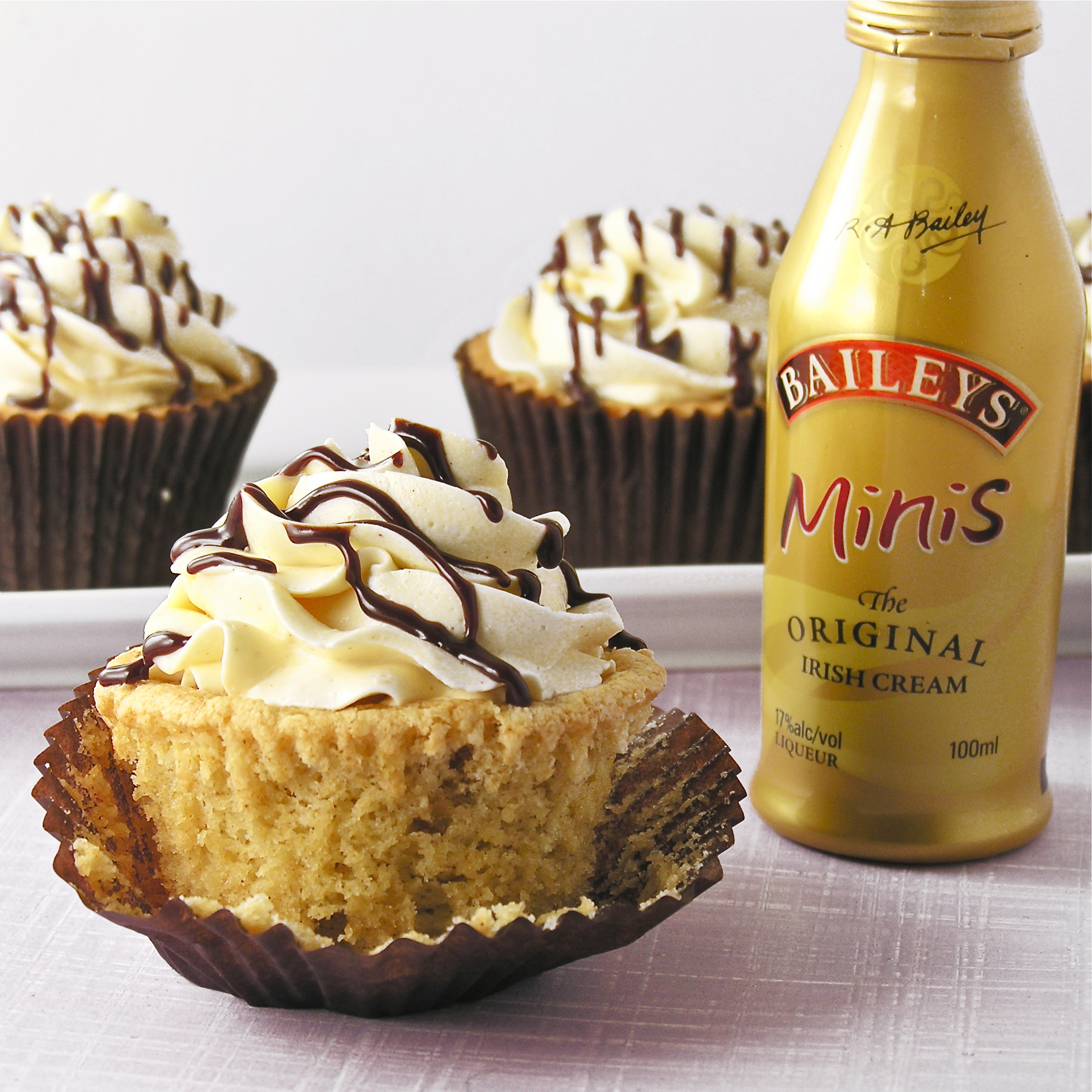Baileys Irish Cream Cupcakes | eASYbAKED