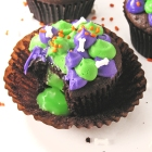 Radioactive Cupcakes filled with SLIME!