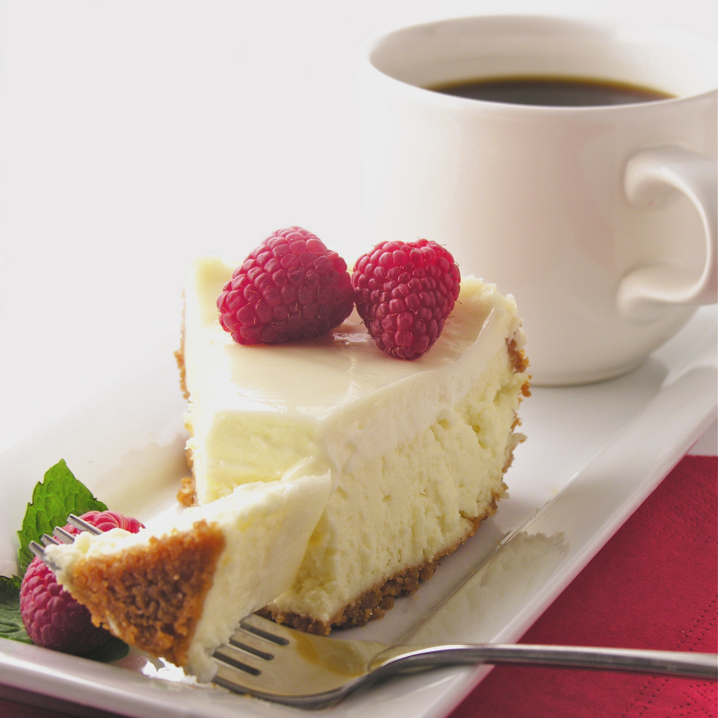 Creamy classic vanilla cheesecake with a sweet and light sour cream ...