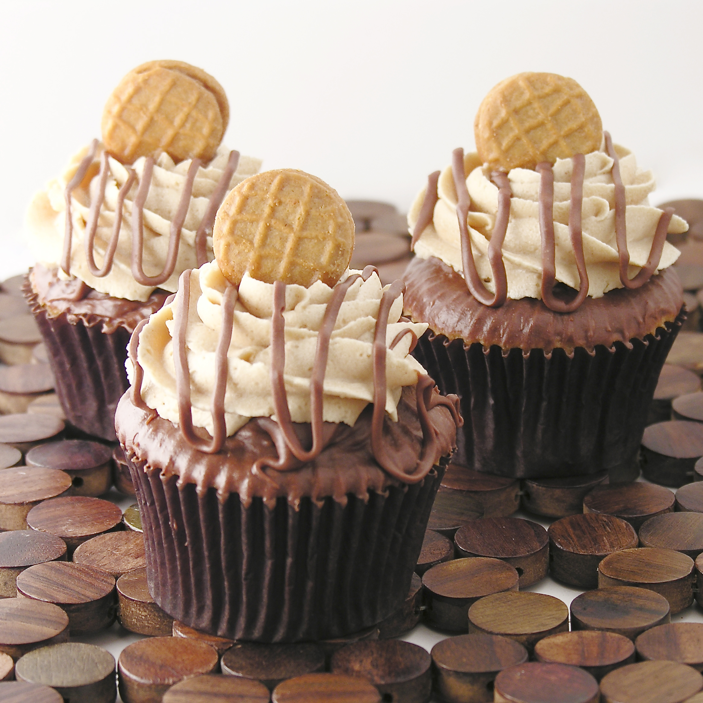 ... peanut butter cream icing and a mini peanut butter cookie. This is a
