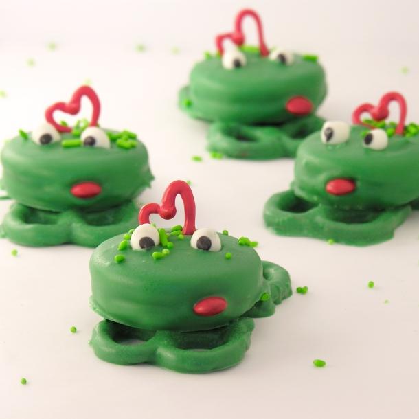 Frog Oreos!!