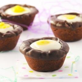Cadbury Egg Cookie Cups!!