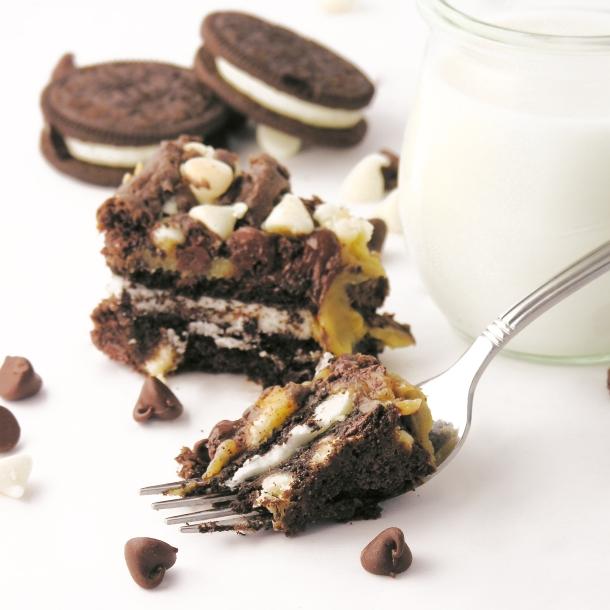 Caramel Oreo Brownie Bars