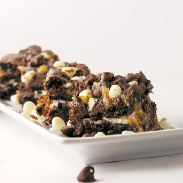 Caramel Oreo Brownie Bars!