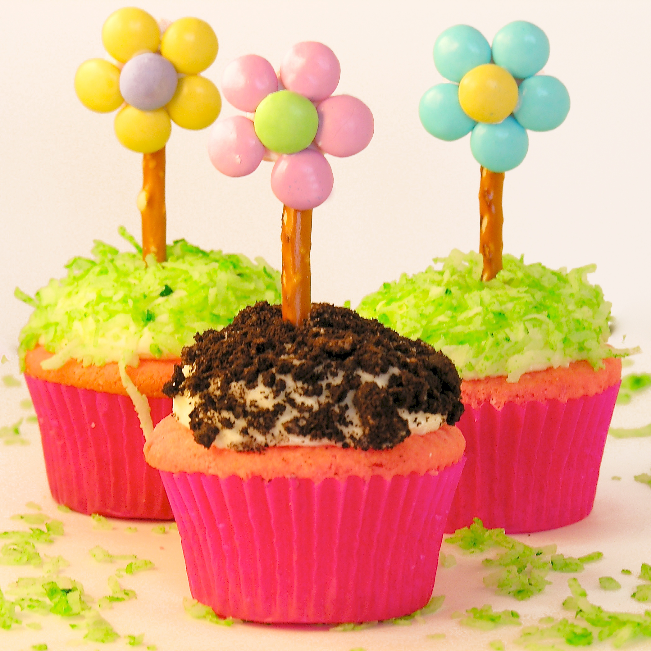 flower pot cupcakes easybaked. Black Bedroom Furniture Sets. Home Design Ideas