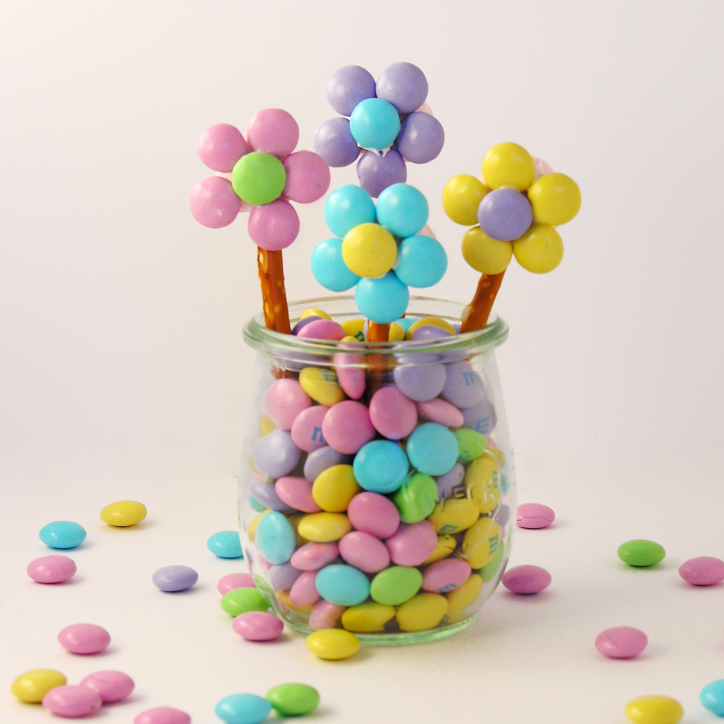 Flower Pot Cupcakes | eASYbAKED