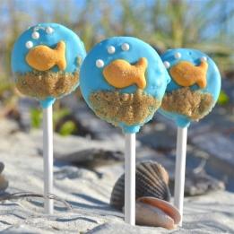 Goldfish Oreo pops!