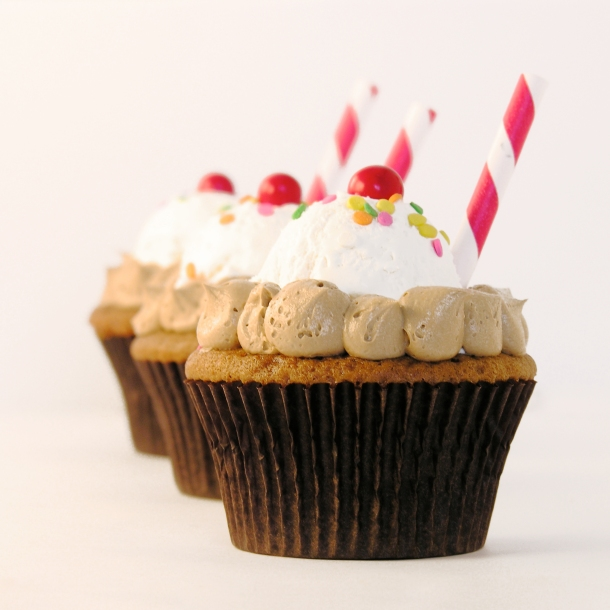 Root Beer Float Cupcakes!!!!