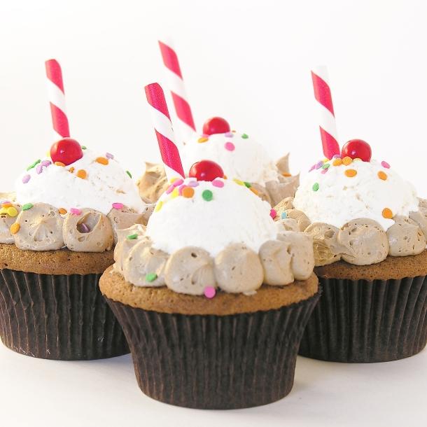 Root Beer Float Cupcakes!!