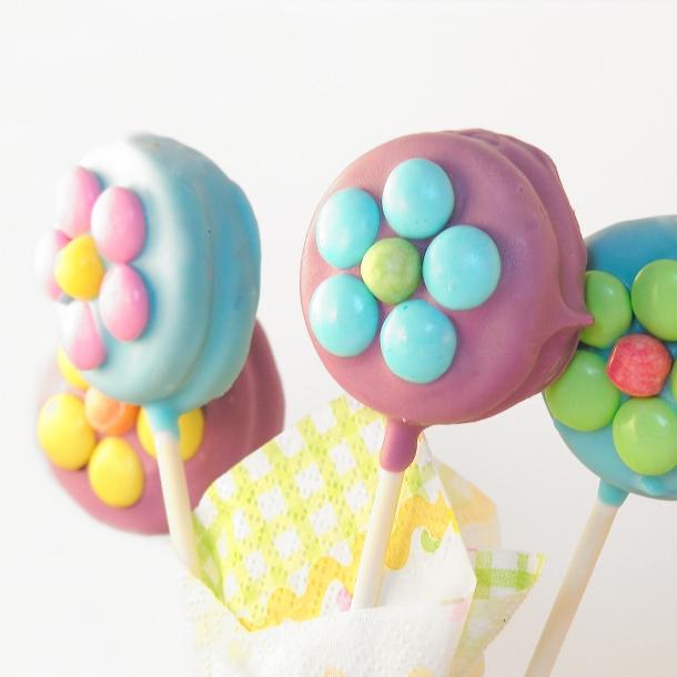 Oreo Flower Pops!