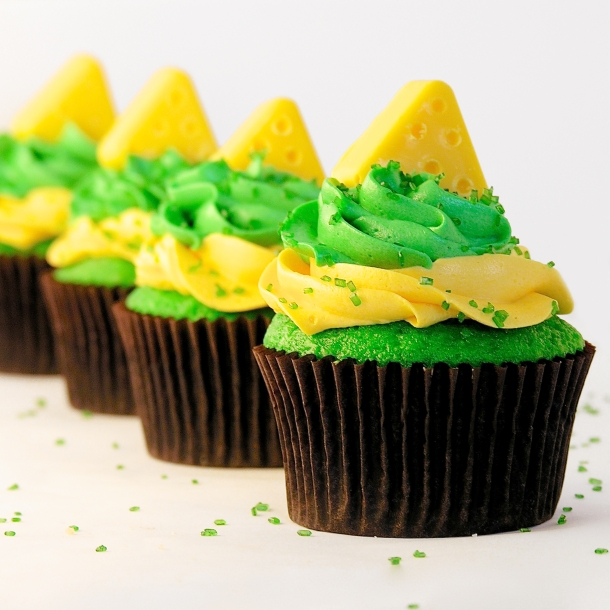 Cheesehead Cupcakes!!!