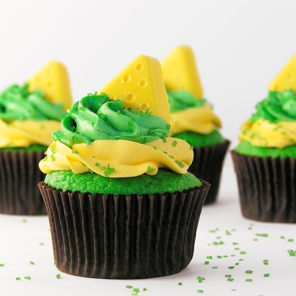 Cheesehead Cupcakes!!!!!