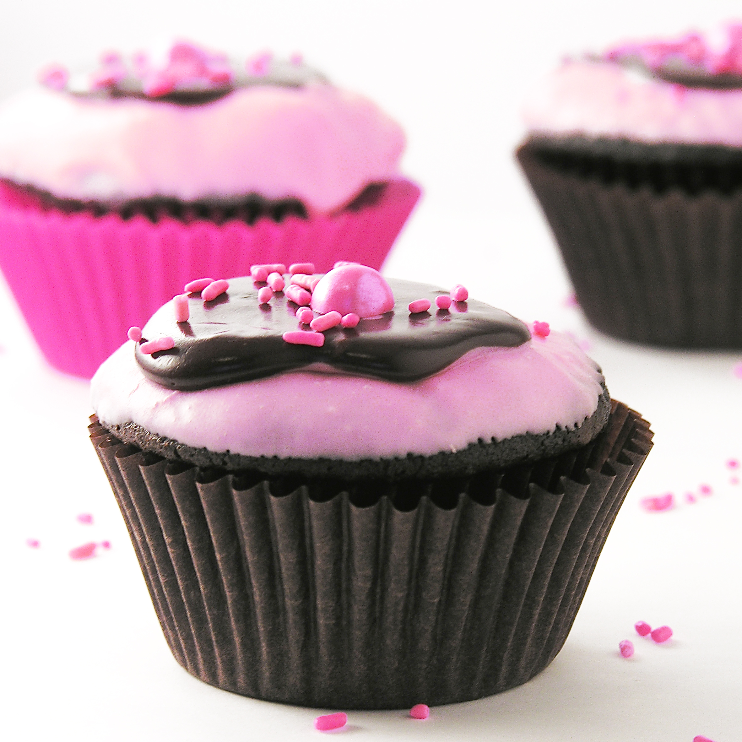 Chocolate Covered Strawberry Cupcakes Easybaked