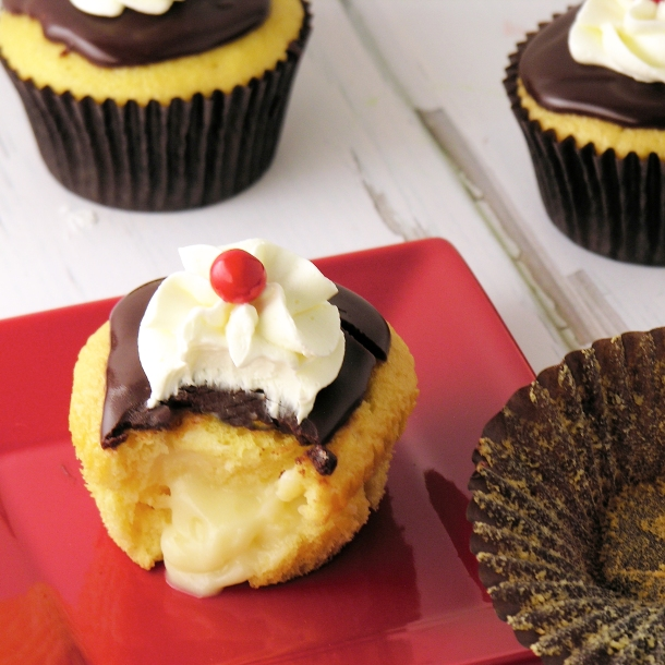 Boston Cream Pie Cupcakes1