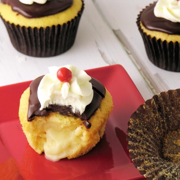 Boston Cream Pie Cupcakes1