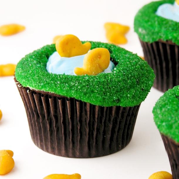 Fish Pond Cupcakes9