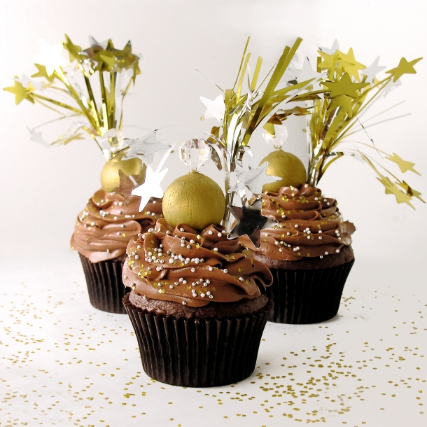 Ball Drop Cupcakes4