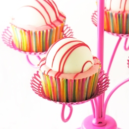 Berry Bomb Cupcakes1