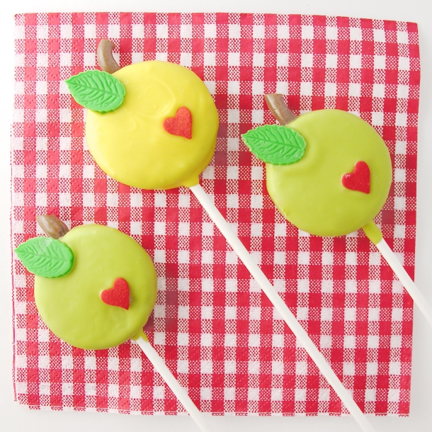 Apple Oreo Pops5