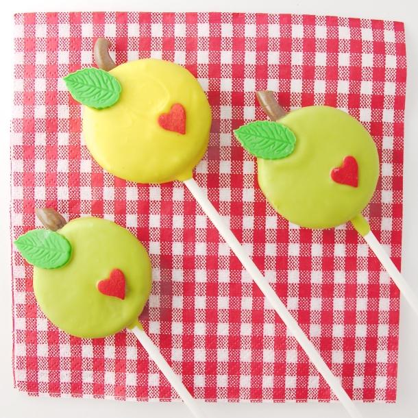 Apple Oreo Pops5