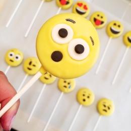 Emoji Oreo Pops2