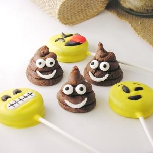 Emoji poop cookies