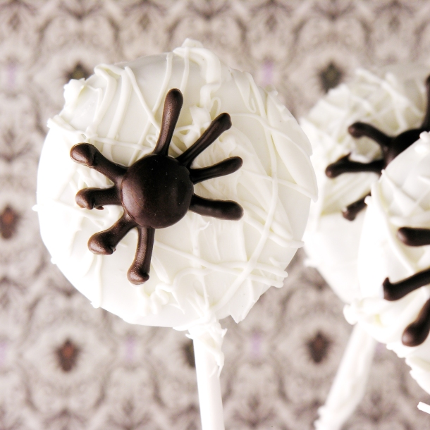 spiderweb-oreo-pops