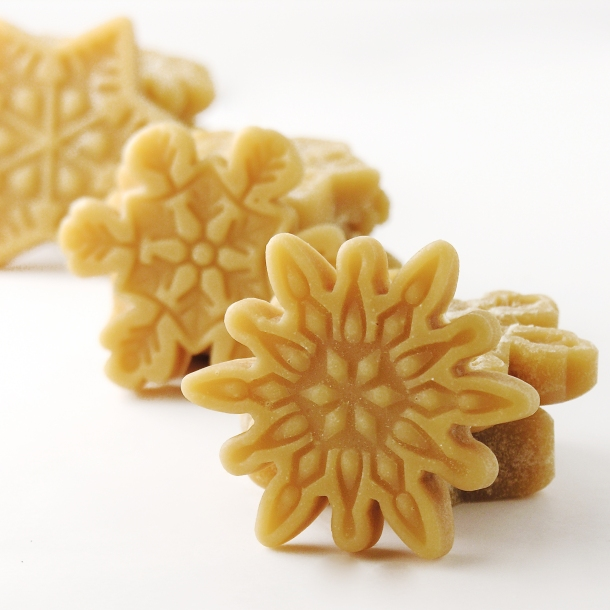 maple-snowflake-candy