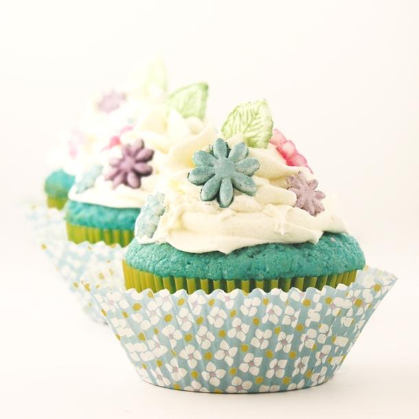 winter-garden cupcake