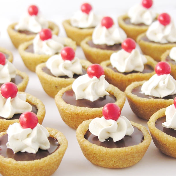 boston-cream-cookie-cups