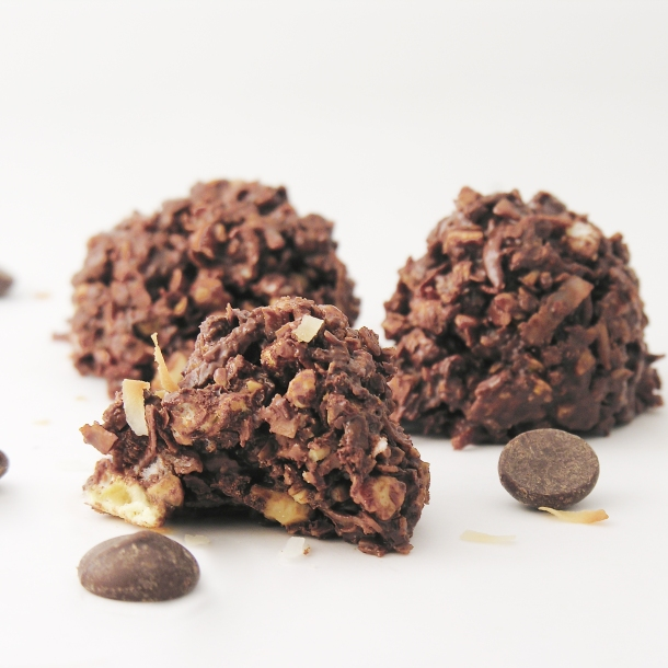 dark-chocolate-almond-bites3