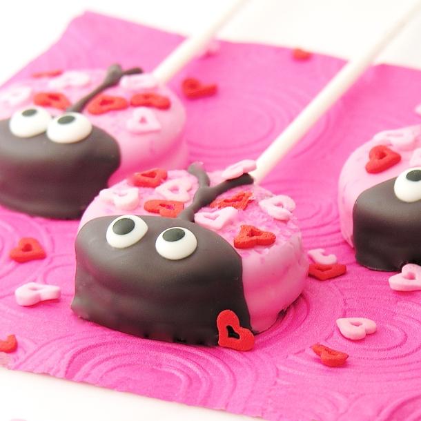 love-bug-oreo-pops
